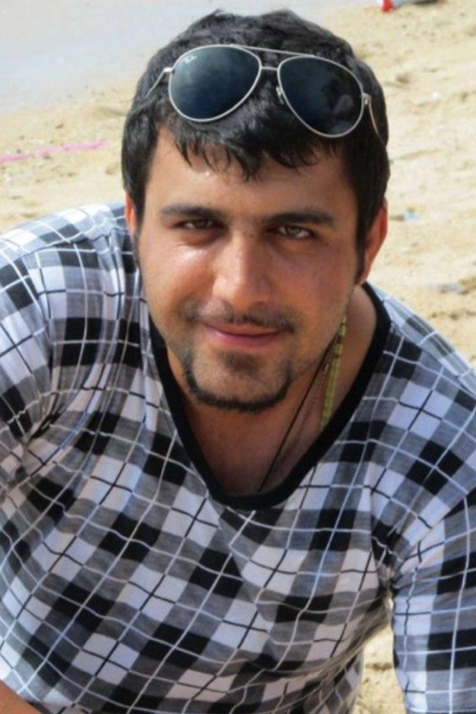 красивый иранский мужчина